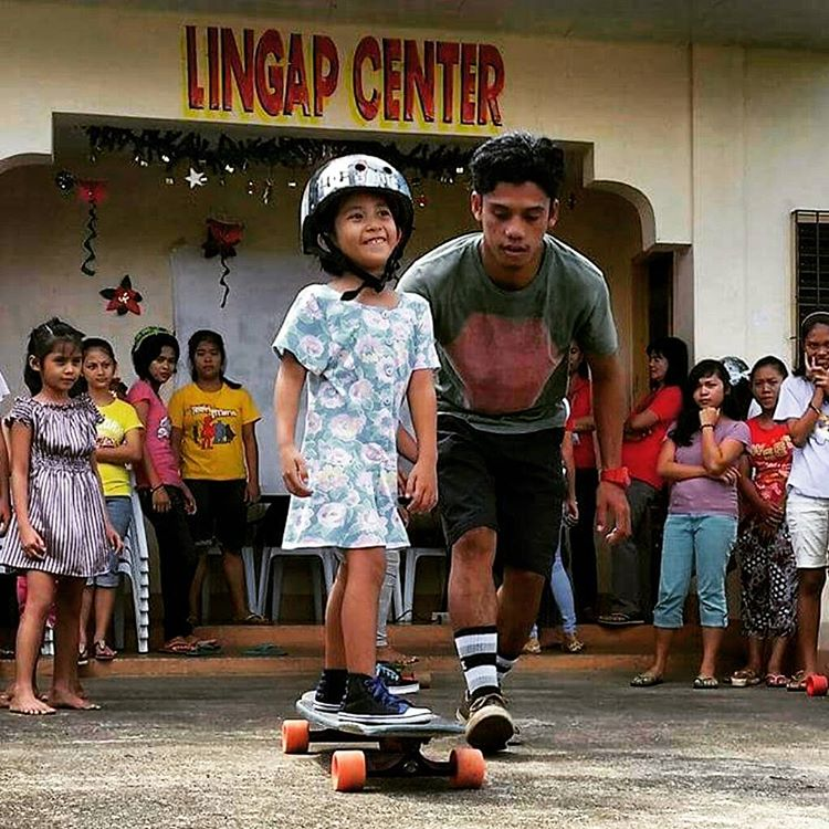 #LoadedAmbassador @dandoy_tongco knows how to give back to the community in the Philippines!  His Mobile Skate School visits small towns and brings the joy of skating to those who may not be able to find it on their own.  Great work spreading the love...