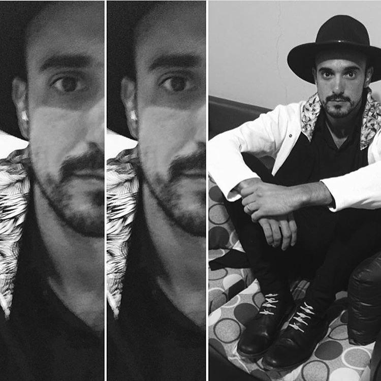 Even singer Abel Pintos @fotosdemusicayvida dislikes tying. #LifeWithoutLaces #abelpintos