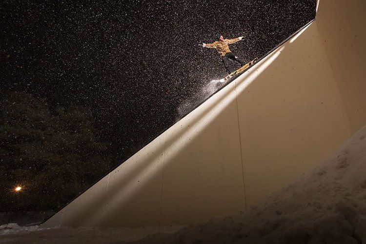 @brodiemitchell's 'Broken Mechanism' is now live for your viewing pleasure on snowboardmag.com. Head on over and enjoy! @snowboardmag @billabong_snowboarding