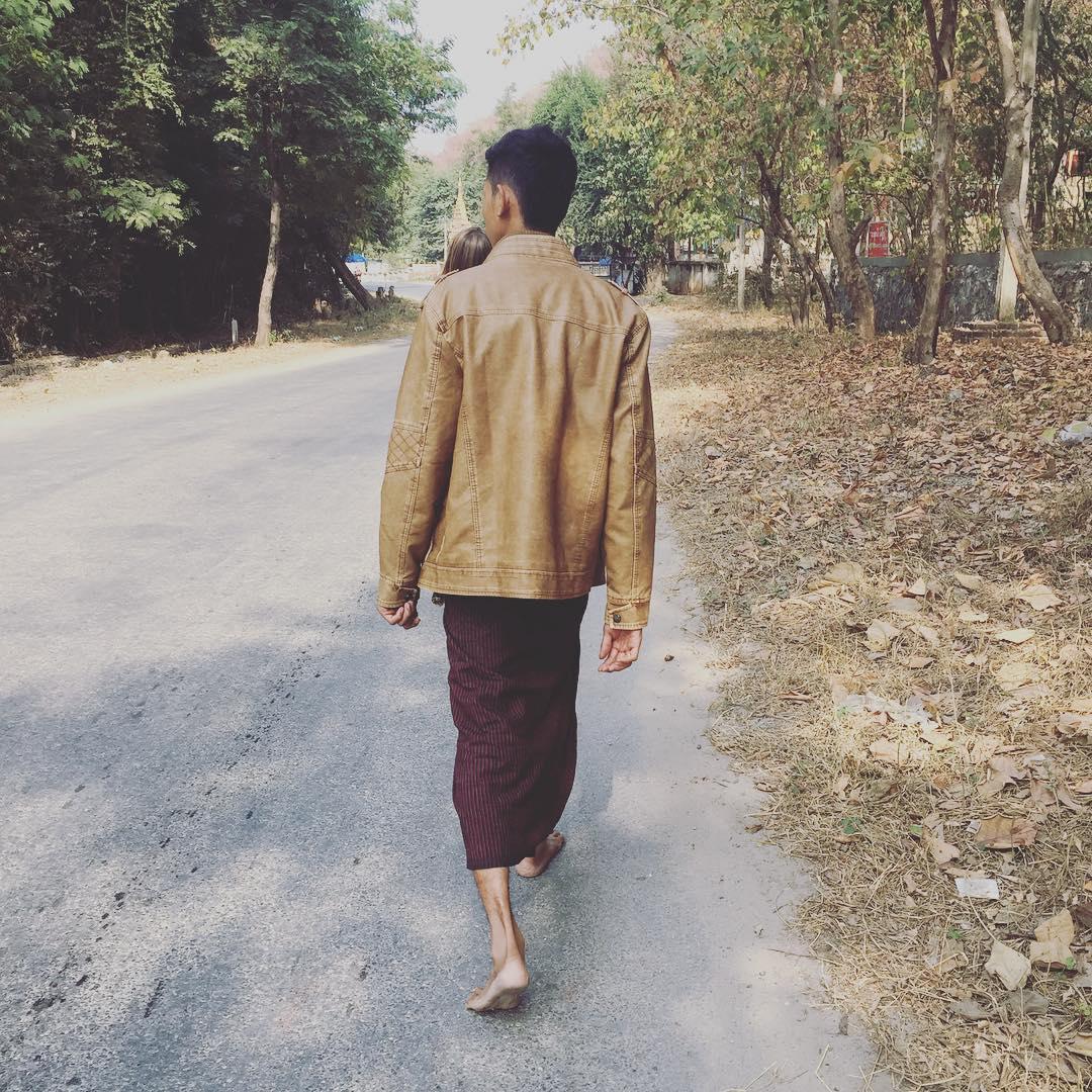 Amigos que el camino de la paciencia otorga! GRACIAS! #myanmar #mandalay #trippingmood #benga