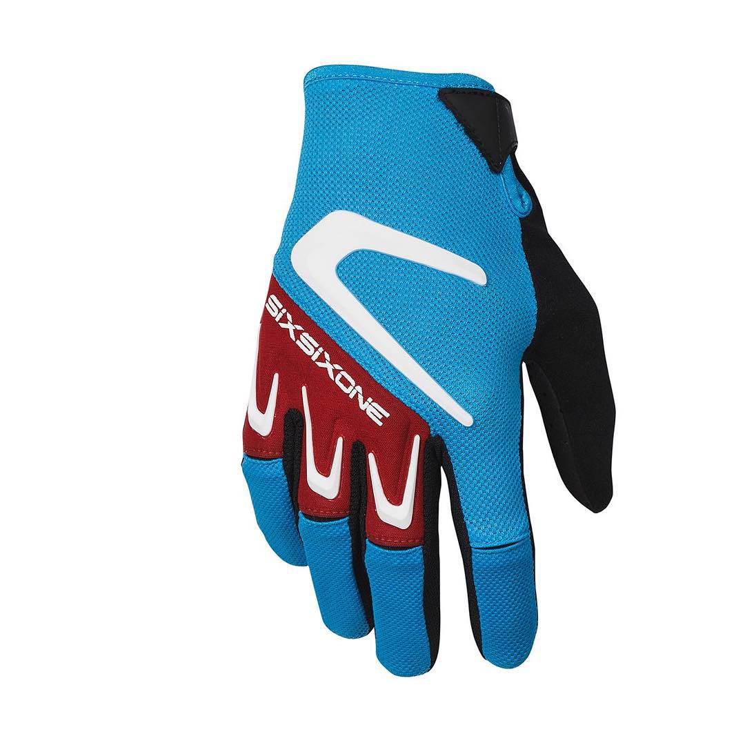 With a dual layer palm, flexible Airprene knuckle & micro fiber sweat wipe, the 2016 SixSixOne Rage gloves are the perfect partner to keep your hands covered whenever you ride. Scope the full Glove range at Sixsixone.com #661Protection #SixSixOne...
