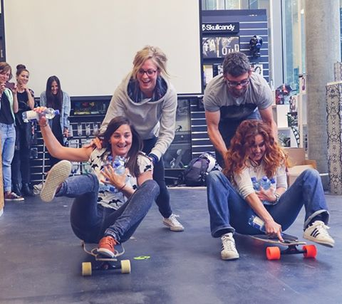Go to longboardgirlscrew.com to check the photo review of the Swiss OPEN premiere we hosted at the @skullcandy_europe HQ in Zurich with @7skylife & @chixxsonboard! Girls Meet, games, expo by @iunatinta, DJ Phil from @nnimclothing and overall an epic...