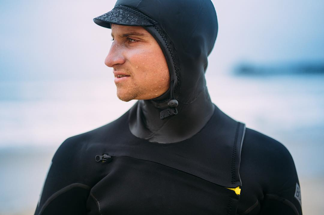 VOODOO SLANT ZIP 4/3 HOODED FULLSUIT Ultra comfortable attached hood with slant zip entry system.  Available now on bodyglove.com #allthingswater #bodyglove