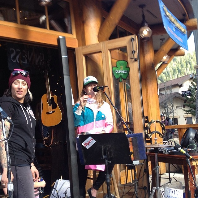 Fun times at the #Dubliner at @SquawValley raising the