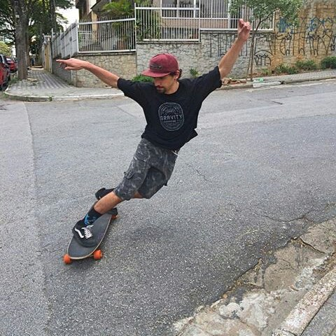 @moscaa_ is in Brazil right now shredding his hood #keepitholesom #worldwide #holesomloaf