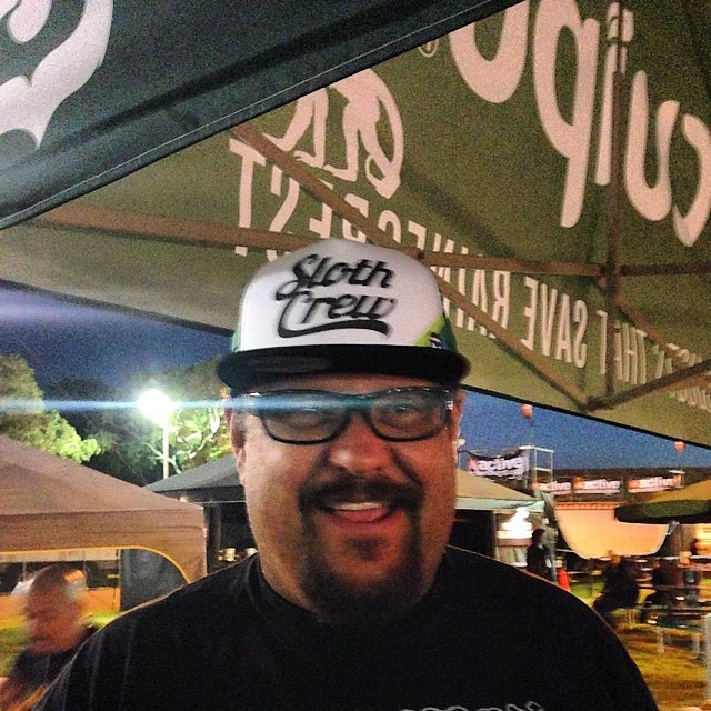 Fletcher from Pennywise stopped by the Cuipo booth to pick up a new Sloth crew hat. Available at Cuipo.org #pennywise @pennywise #saverainforest #cuipo