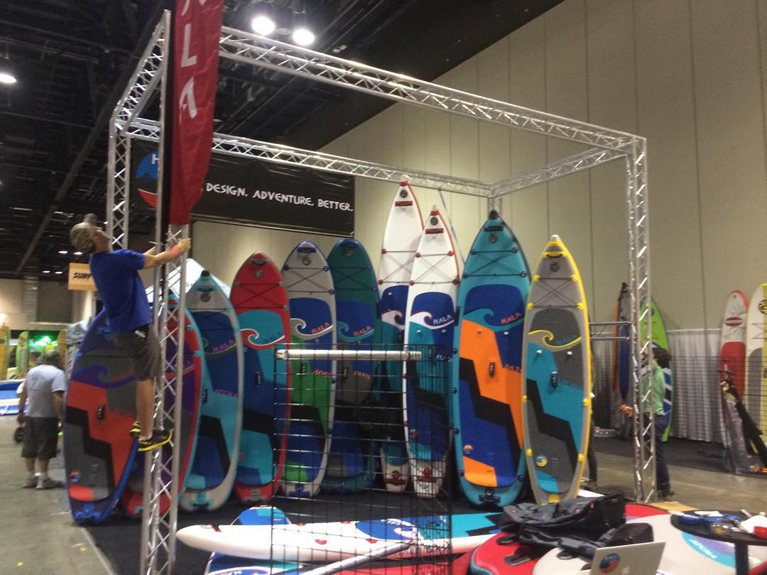 Setting up the #halagear booth for #surfexpo! Come visit us at booth#3417!! #isup #2016paddleboards #inflatablesup #standuppaddle #paddleboarding
