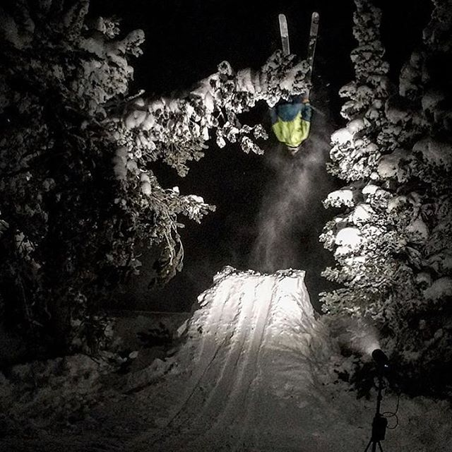 """Ok, the jumps lit!"" ... ""How about the landing?"" ... ""Nope""... @gmack307 sending one into the abyss. #shapingskiing 