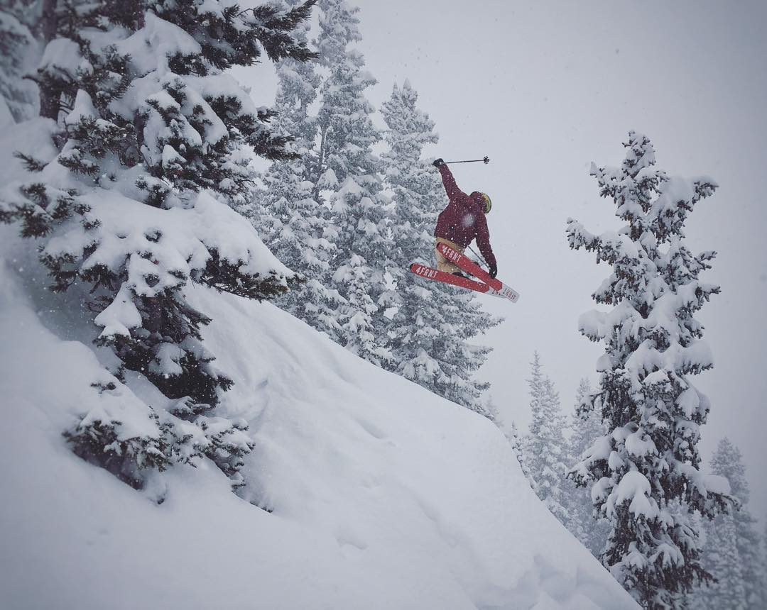 @altaskiarea is going off today. @t_hayne floating one out. #shapingskiing | Photo: @robaseltine