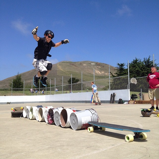 Barrel jump finals! #MorroBayFunfest @loadedboards @orangatangwheels @mbskateboardmuseum
