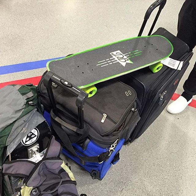 The Mini Cruiser is the perfect travel companion! Repost from @kustomkreature of @alchemy_skateboarding / @gritcitygrindhouse on the way across the pond to England. Have fun Taylor! #dbmini #dblongboards #dbskateboards #goakate #skateboard