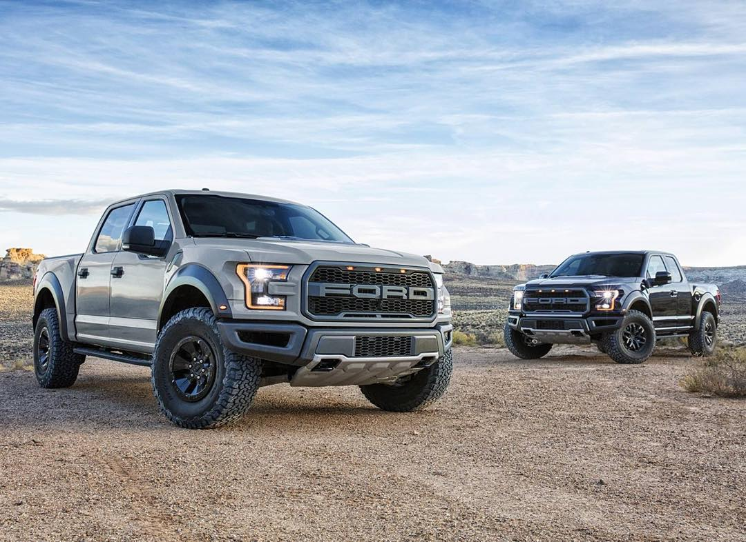 More 2017 Ford Raptor for you all - two this time, actually.