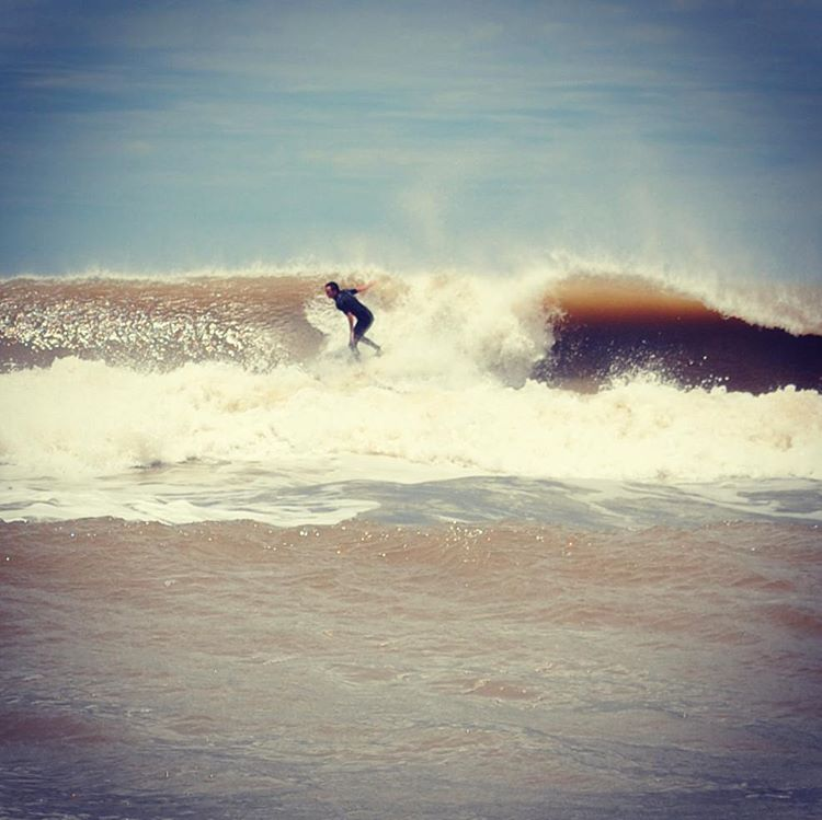 Vientos del norte en Reta! #maetuanis #surf #surfing #Reta #classic #offshore