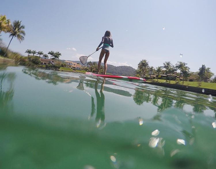 Morning slides #katwai #surfsuit #SUP