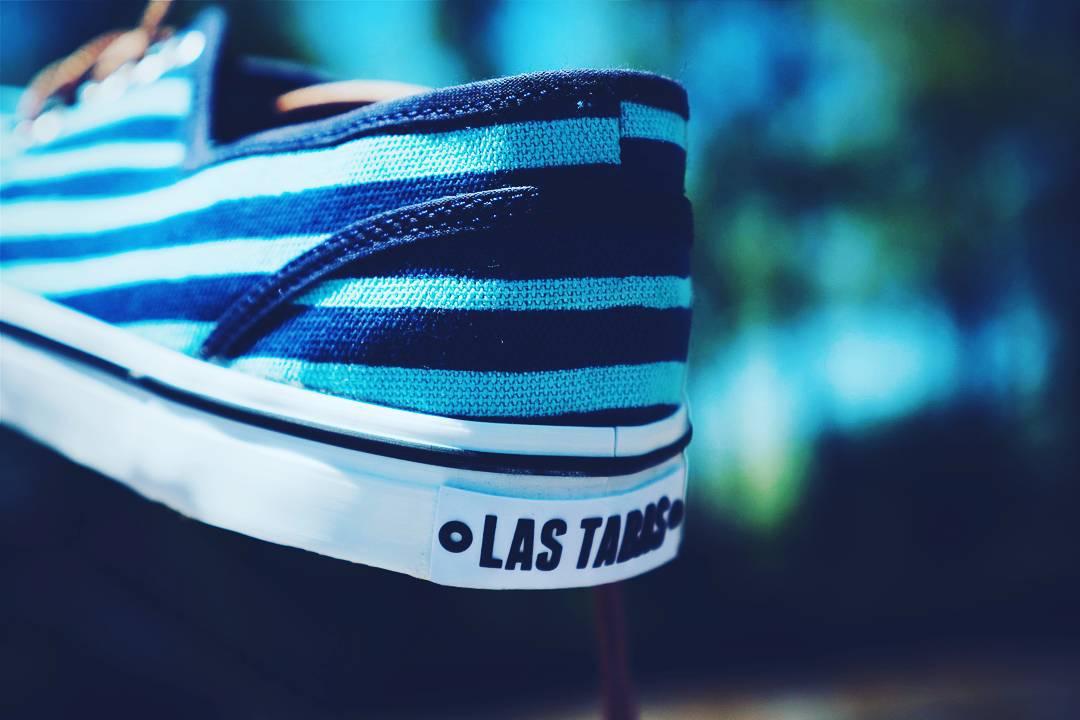 Zapatillas azules con rayas celestes o zapatillas celestes con rayas azules?  www.lastabas.com #igersbsas #sneackers #vscoargentina #vscocam #igers #bsas #summer #argentina #instapic #instamood
