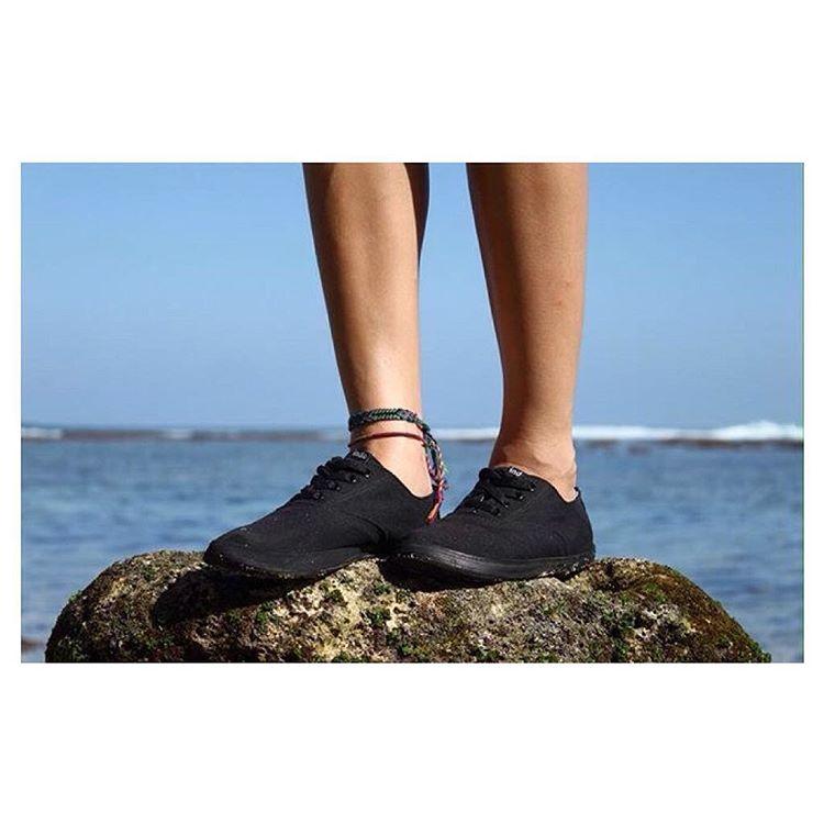 Stroll, saunter, scamper || Sun, sea, salt