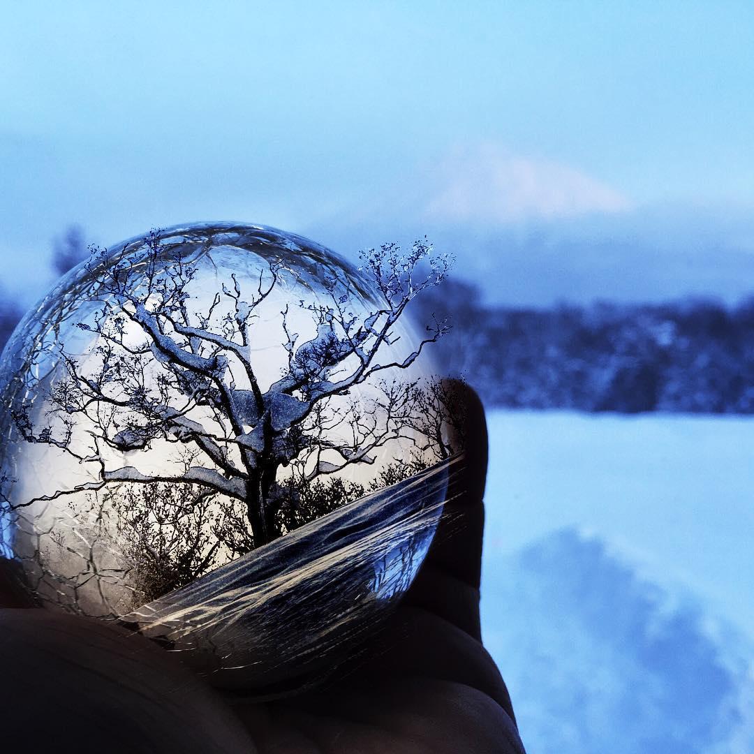 Connect with the nature. #avalon7 #followthestoke #japow #snowboarding #spiritusmovie www.avalon7.co