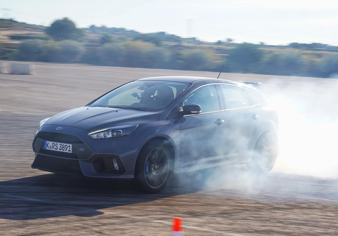 "Ford setup a ""donut"" area for the journalists here on this media launch to try their hand at the ""drift mode"" on the new Focus RS. Obviously I had to hop in and give it a try myself and I can tell you this: it works! And works AWSM. #FocusRS..."