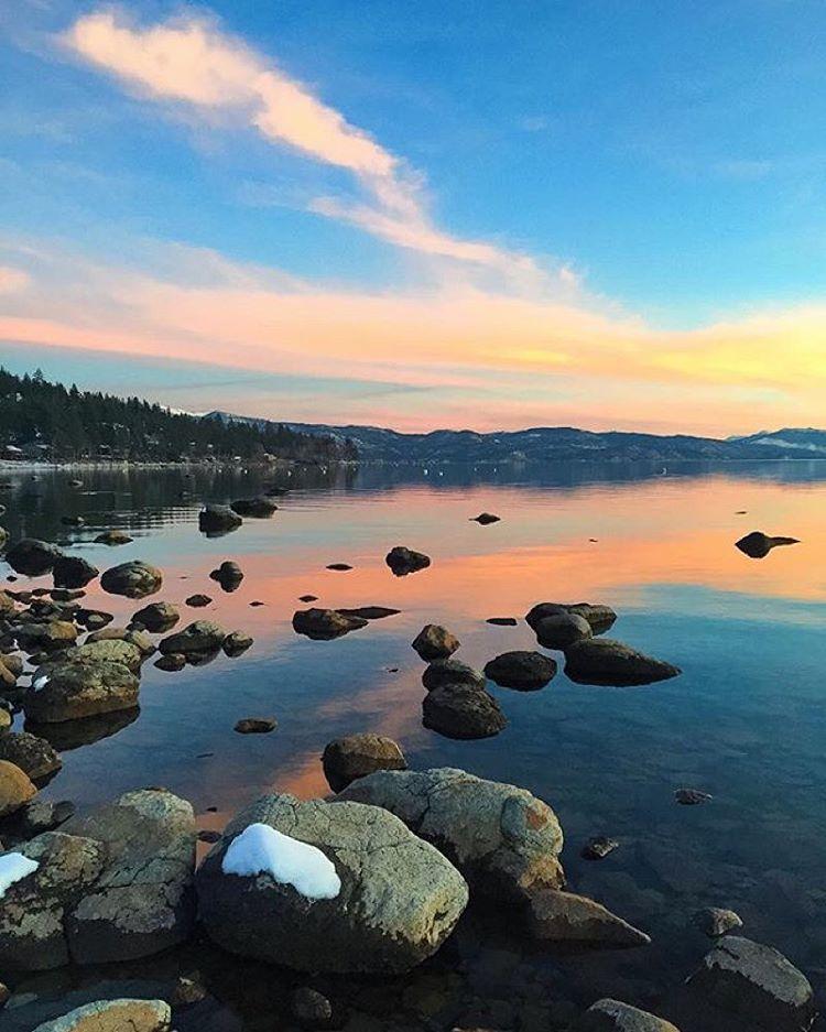 Gorgeous Tahoe sunset ✨ #CA89 #takeapeak