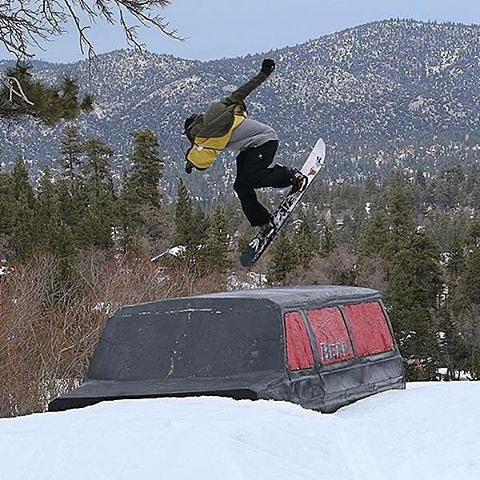 @_JustinMulford shifting over the windowless @Bear_Mountain Van.
