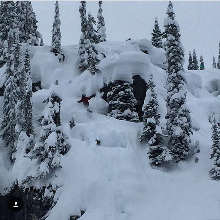 @marissaksnow found a nice private stash in the #BC #Backcountry | #Revelstoke ❄️