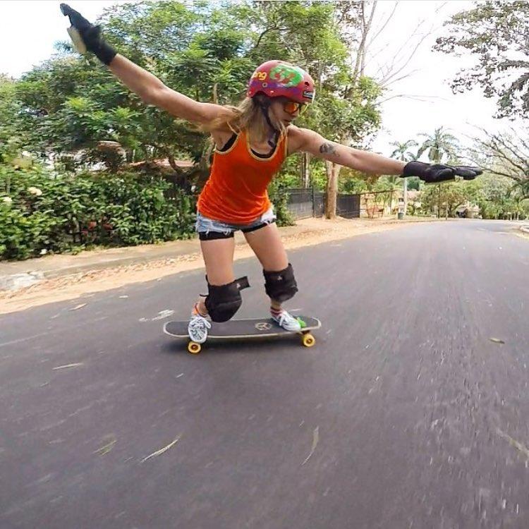 @longboardgirlscrewpma Ambassador @ginamendez88 ⚡️ #longboardgirlscrew #womensupportingwomen #skatelikeagirl #lgcpanama #ginamendez #lgc