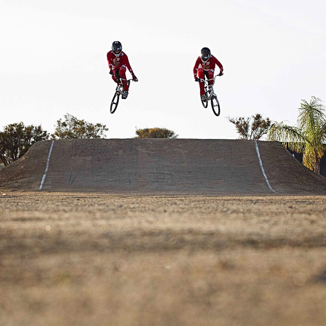 California Dreamin' with @sylvainandrebmx & @evaailloud #BMXRace #SixSixOne #661protection #661 #ProtectFun
