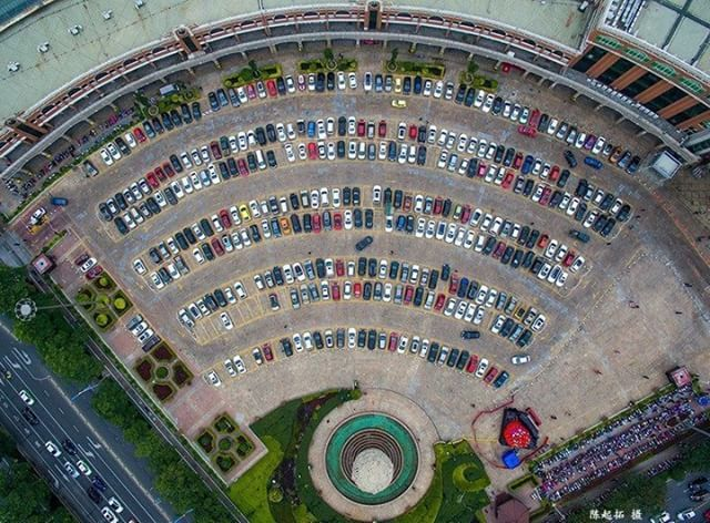 Have you got signal? #WIFI carpark in Quanzhou, #China.  Credit: 陈 起拓  What will you create? Join the community and share at SkyPixel.com. #SkyPixel #DJI #WhatsNext