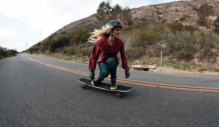 Skating, right? @pandaskate feeling it. @amandapowellskate photo.  #longboardgirlscrew #womensupportingwomen #skatelikeagirl #amandapanda #amandacaloia #california
