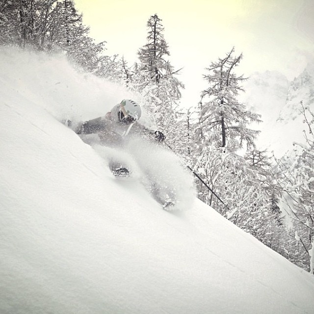 @kyepetersen blasting pow in Cham on his new KYE protos. PC   @american_dave