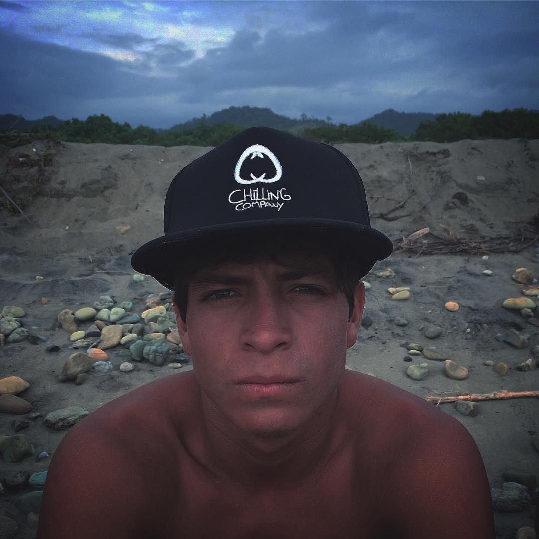 Surfista. Embajador. Amigo.  @hermanos_sangachi