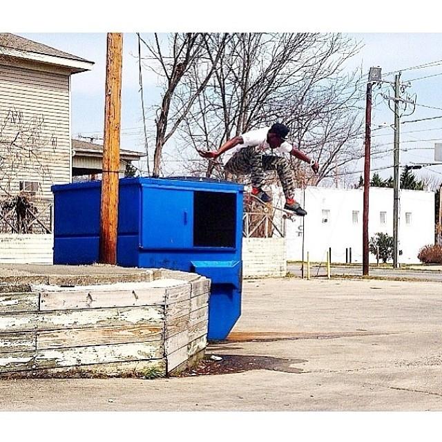 Team rider from #northcarolina @drredrizzy❄️#frostyheadwear #skateboarding