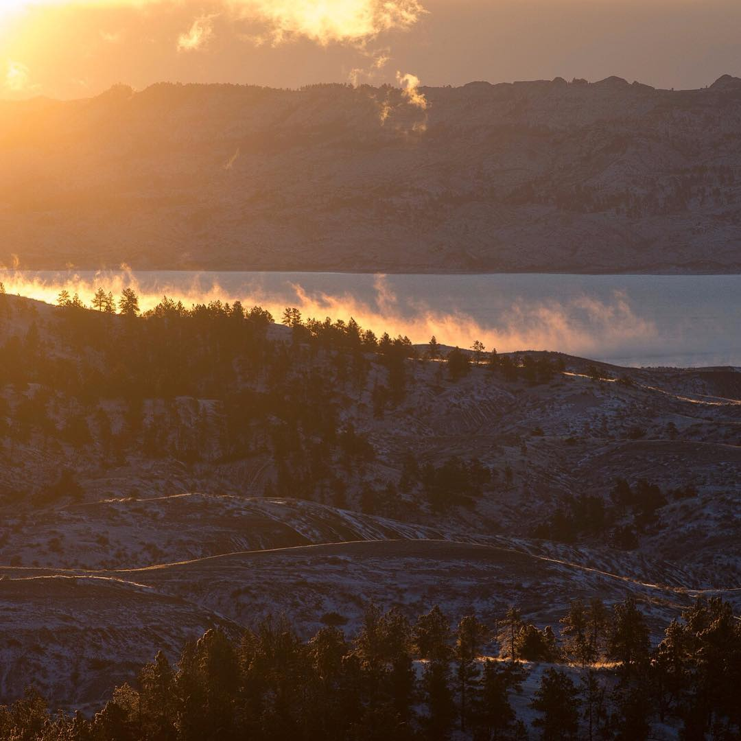 Sunrise and steam on the #missouribreaks. Photo by #ASCLandmark crew member, Eli Allan (Eli Allan Photography) #mightymissouri #adventurescience #montanamoment