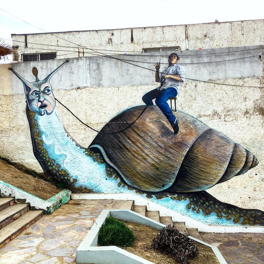 Cara de Caracoles. #streetart #tijuana #bajacalifornia #mexico ||| @natgeo @streetart_mexico #wordonthestreet #heART #dailyinspirations #agiantsnailwithmanonhisback