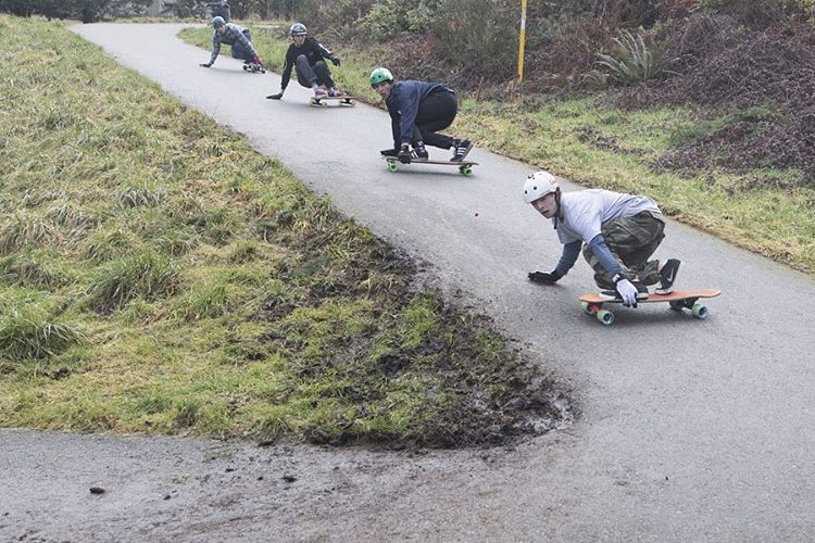 Squad. A snap from the @duckpucks NW Trail Series at Snake Hill with team rider @devdot23 leading the pack.