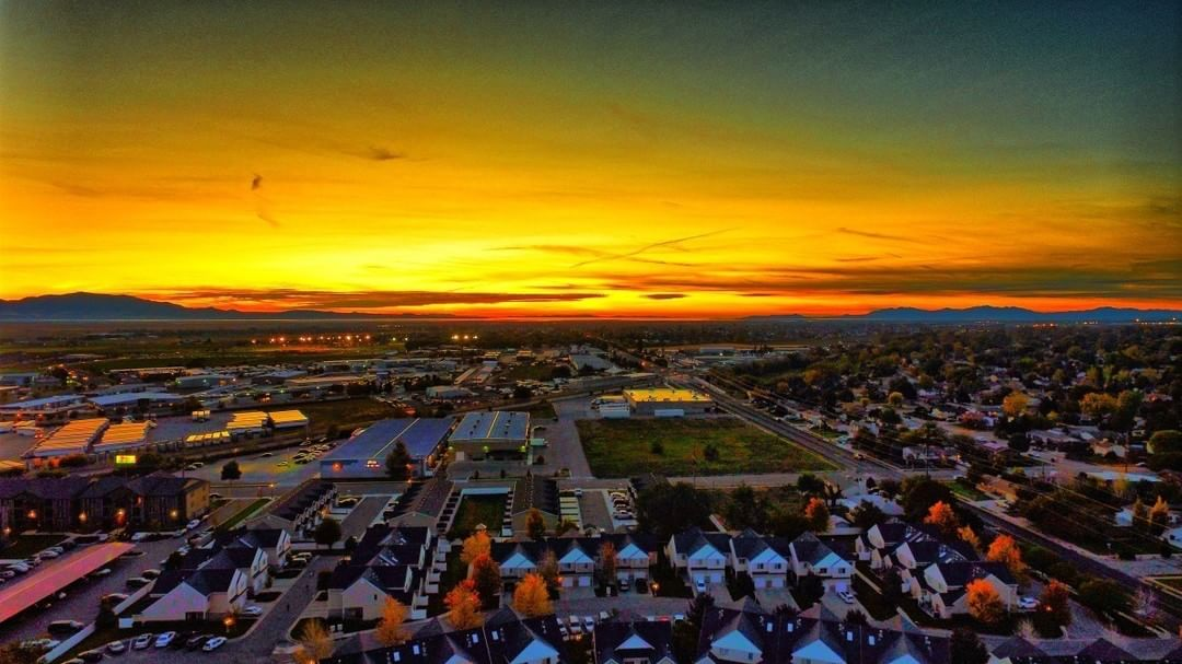 A glowing sunset droops slowly over the horizon as the day ends in suburban #America all thanks to this incredible #DJI #Phantom3 shot  Credit: Mark Hahn  What will you create? Join the community and share at SkyPixel.com. #SkyPixel #DJI #WhatsNext