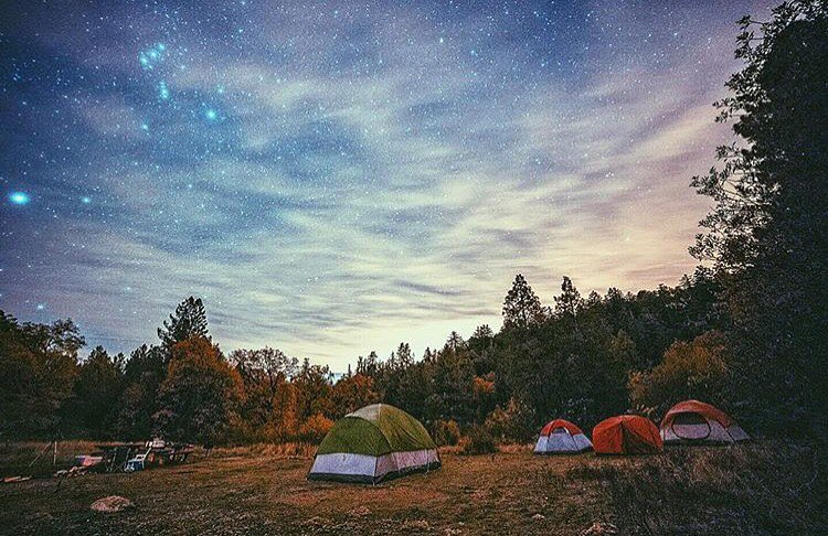 Nothing quite like camping under the stars ⛺️ @nickpetephoto #getoutthere #adventureworthy