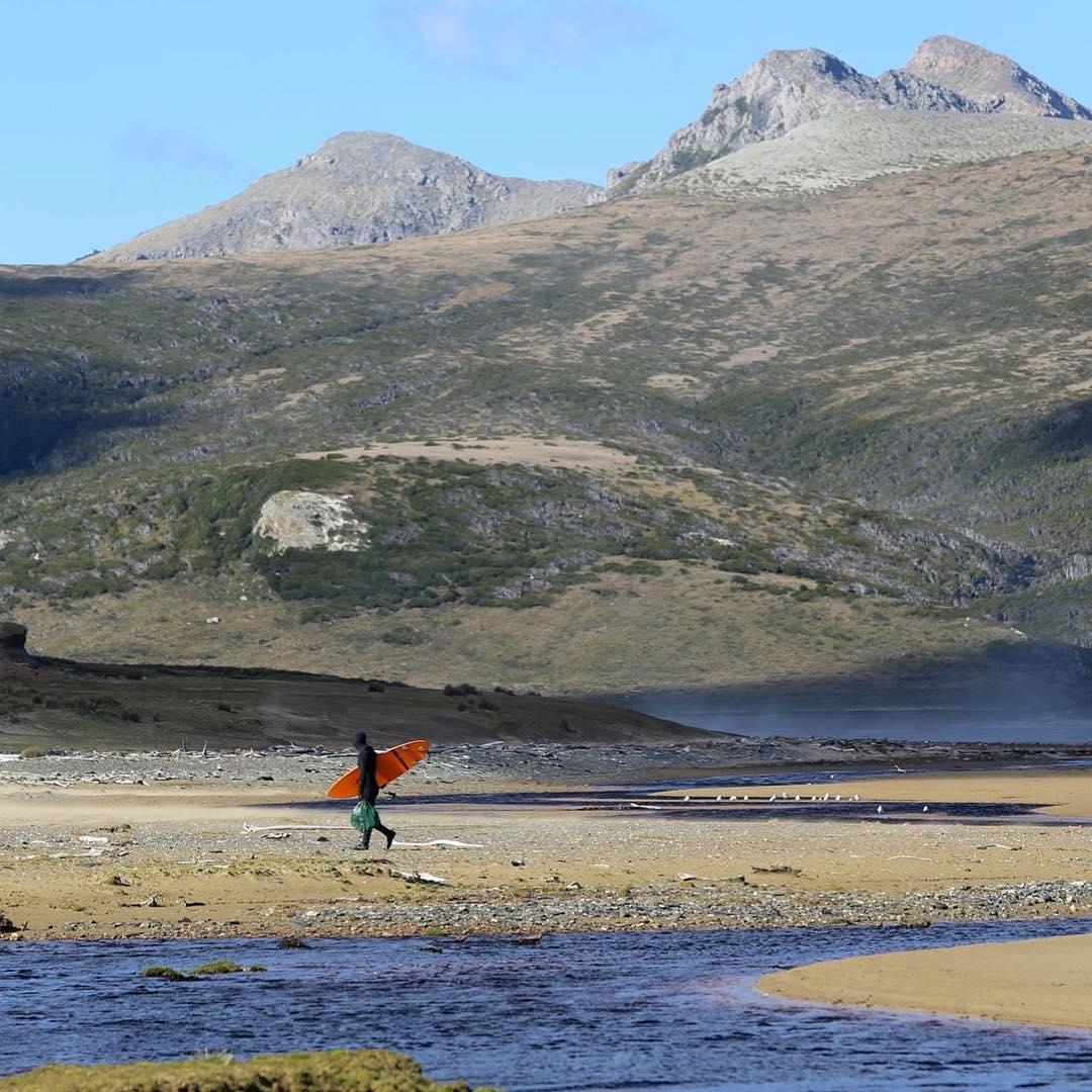 Dia 32. Volviendo al campamento después de nuestra primera sesión en Bahia San Valentin, Tierra del Fuego.#conservemos #tierradelfuego #peninsulamitre