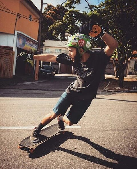 We all know about the brazilian shredders.. But this guy got some style right there ! @theus_lanatovitz