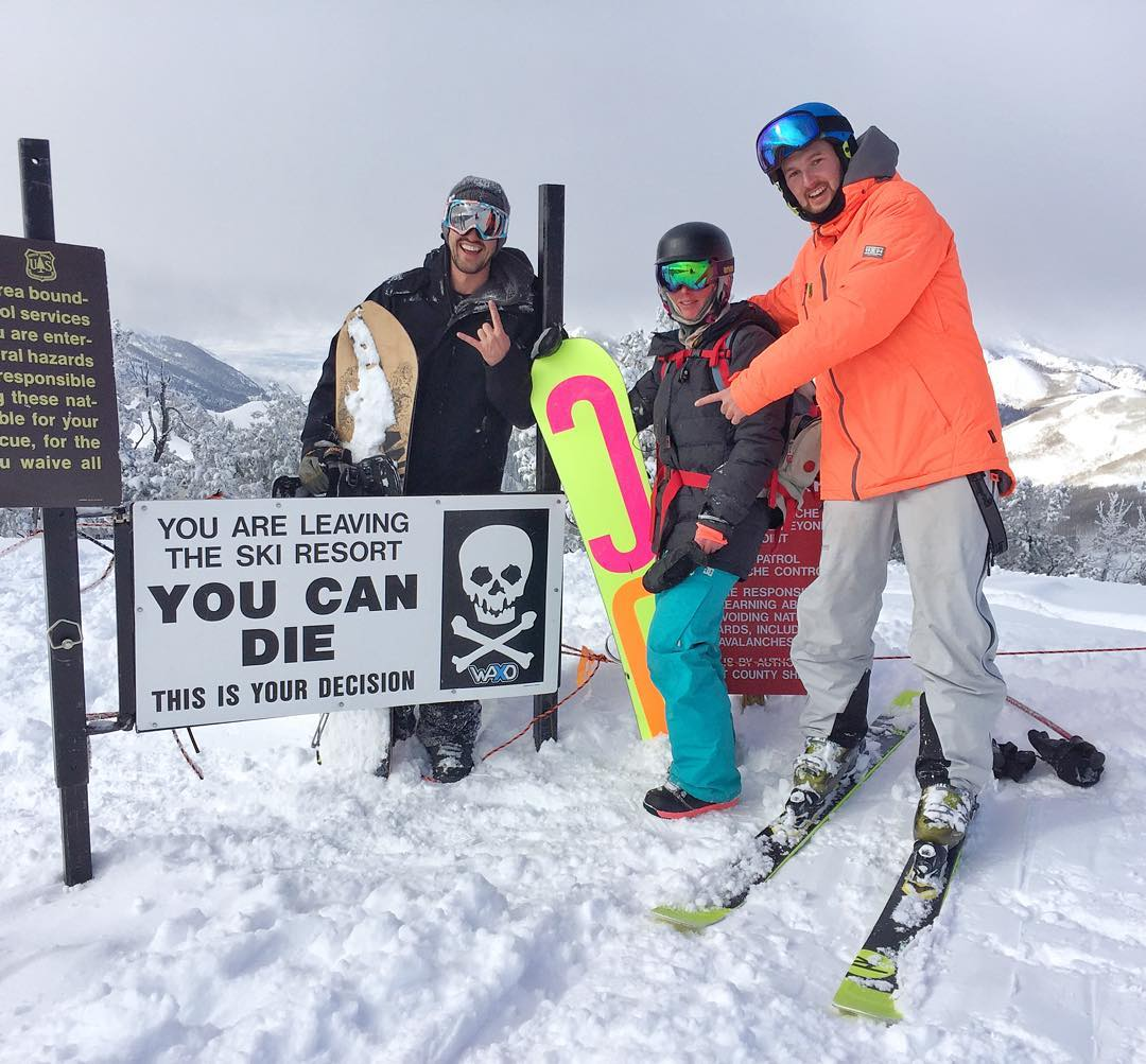 This is one of my favorite signs in the world, found right here in #ParkCity. Rode out of this gate (with proper avi safety equipment) several times yesterday with this squad: @Forest_Duplessis, wifey, and @AndreasBakkerud. Much powder was shredded...