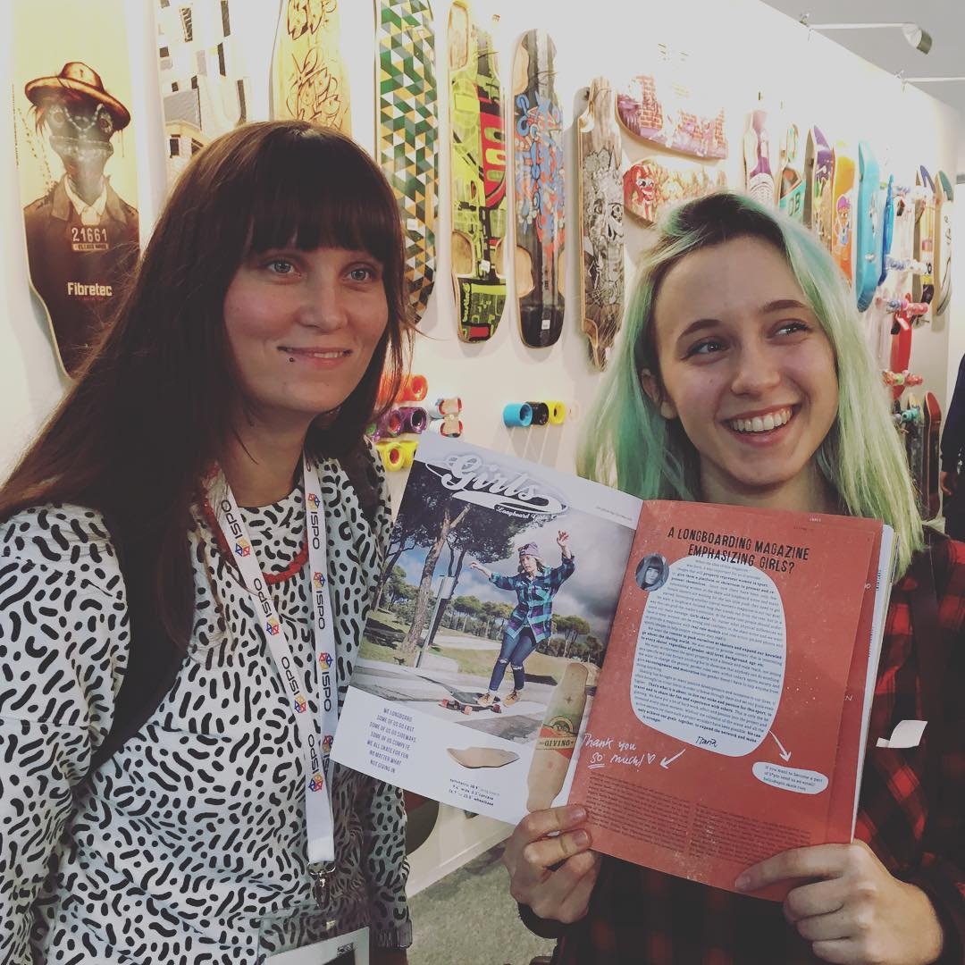 Our girl @itzibarros found herself on the LGC Board ad featured in the new @spin_skate mag!  @spin_skate is a new magazine focused on female longboarding/skateboarding. Check www.spin-skate.com to subscribe!  #longboardgirlscrew #womensupportingwomem...