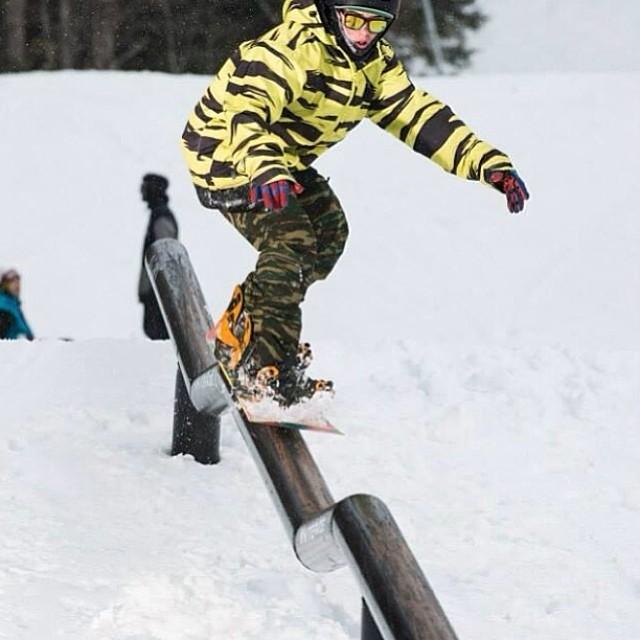 Team rider from #NewYork @scp_bofr❄️#frostyheadwear #snowboarding