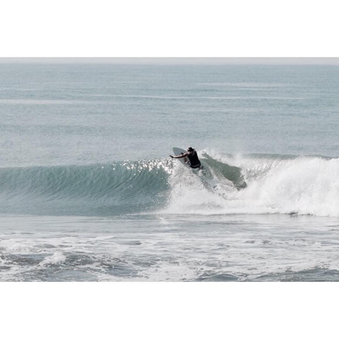chris on the peanutter #awesome #awesomesurfboards #surfing#peanutter#shredsled @tirebasura