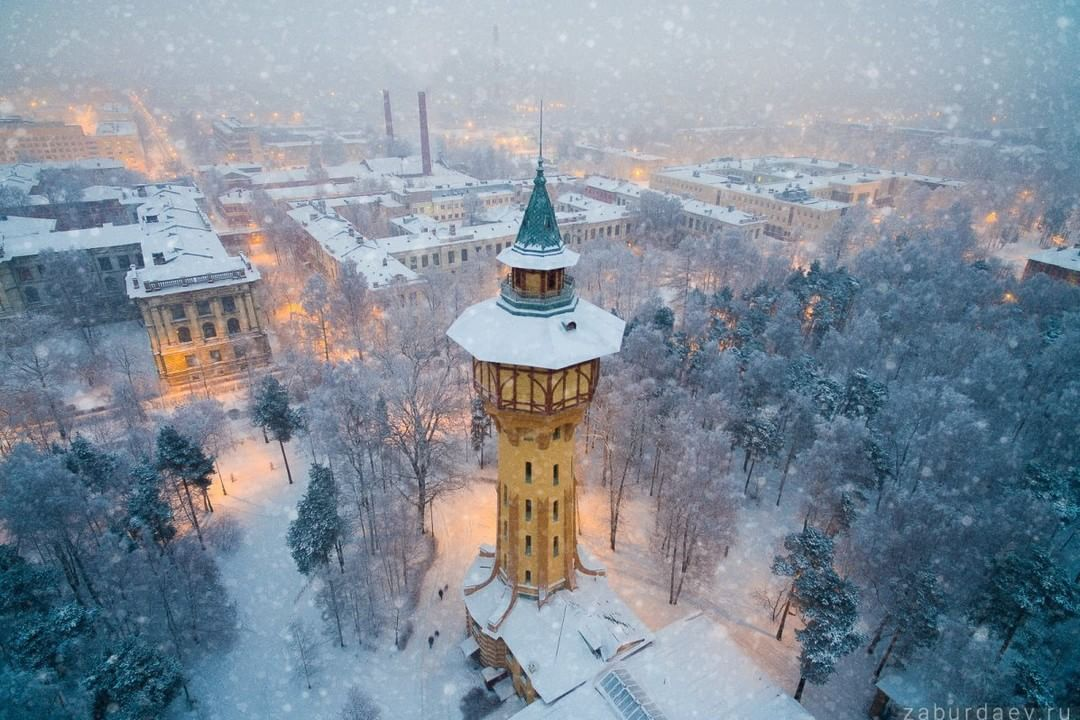 A towering gem of an aerial taken in the beautiful winter of St.Petersburg, #Russia lets #SkyPixel users know it's the time of year to get out and capture the world.  Credit: Stanislav Zaburdaev  What will you create? Join the community and share at...