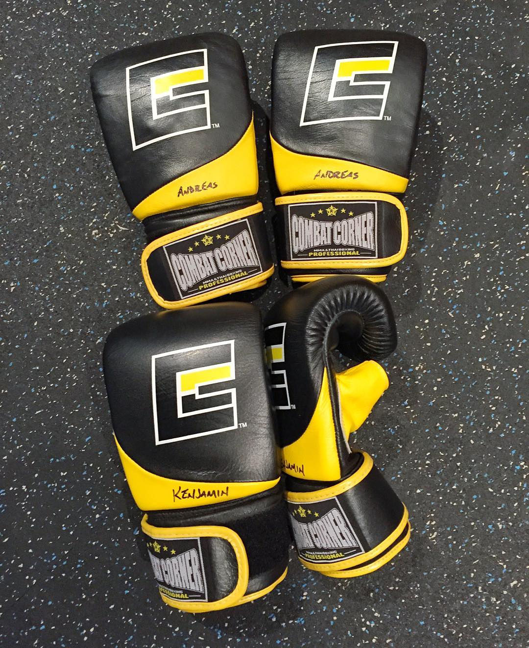 Thanks for the fresh punching devices, @CombatCorner! One set for me, and one set for Mr. @AndreasBakkerud. Time to break these in with the guidance of our trainer @KitCope. #preseasontraining #notreadmillsinsight