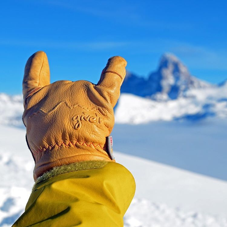 We adventured into the Tetons with the soon to release 4-Season Give'r Gloves for some extensive product testing.  Results were consistent....Ready to Rock!  Enter to win free pair and be first to get them when goes live on Kickstarter - vip.give-r.com