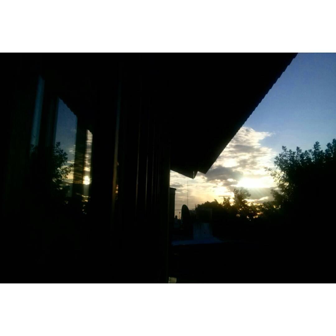 La magia encantadora del atardecer. #caeelsol  #sky #cielo #sunset #tramonto #atardecer