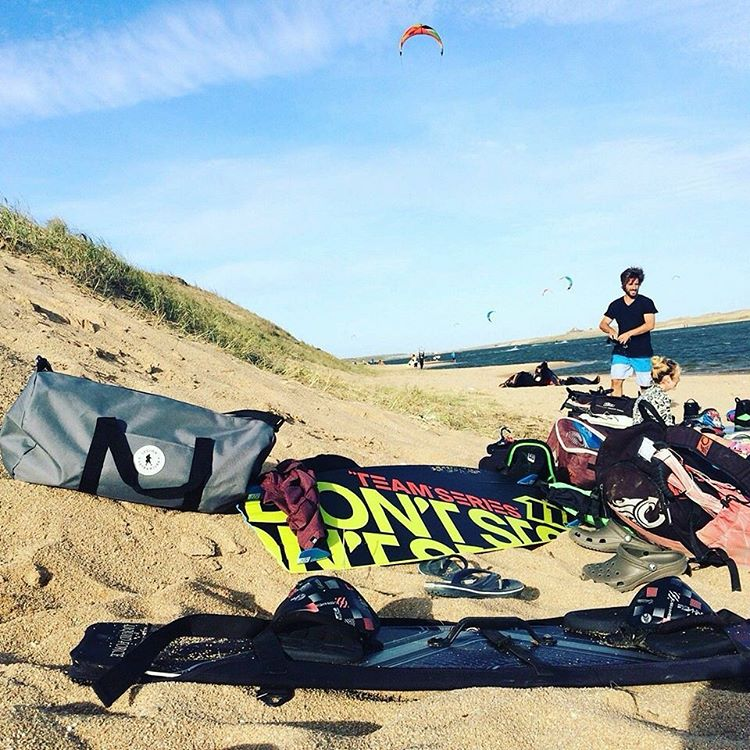 Everything ready to go for a ride #kitesurf #riders with the #bubbabag