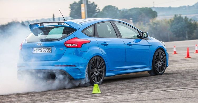My buddy/rally driver/wildman Bill Caswell recently reviewed (and hooned) the new Ford Focus RS for @RoadandTrack magazine - and he loved it! He's not one to hold back criticism, either. Ha. Check out the Road and Track site to read his in-depth...