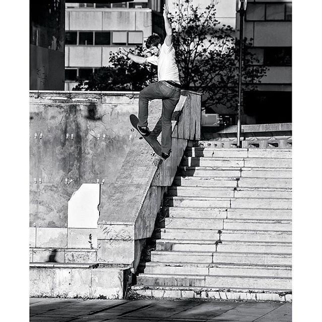 @chriscobracole, front blunt in Bordeaux, France. Photo: @blabacphoto #ChrisCole #DCShoes